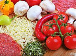 Tomaten, Käse, Salami, Chamgignons, Paprika, Gewürze